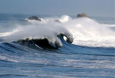1024px-Waves_in_pacifica_1